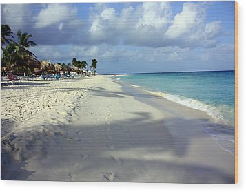 Eagle Beach Aruba Wood Print by Suzanne Stout
