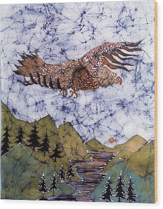Eagle Flies Above Gorge Wood Print by Carol Law Conklin