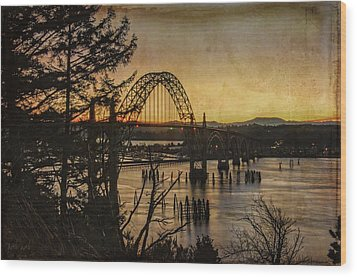 Early Morning At The Yaquina Bay Bridge  Wood Print