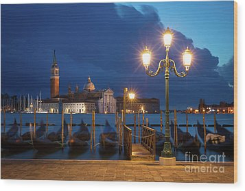 Wood Print featuring the photograph Early Morning In Venice by Brian Jannsen