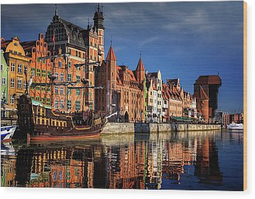 Early Morning On The Motlawa River In Gdansk Poland Wood Print by Carol Japp
