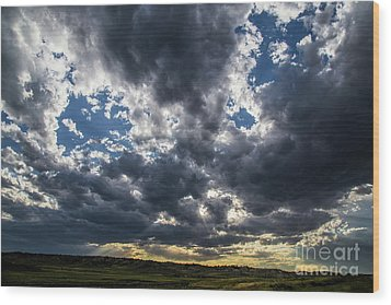 Eastern Montana Sky Wood Print by Shevin Childers