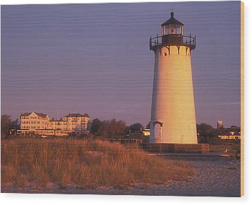 Edgartown Lighthouse And Mansion Wood Print by John Burk