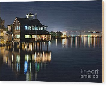 Wood Print featuring the photograph Edgewater Grill by Eddie Yerkish