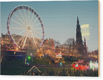 Edinburgh And The Big Wheel Wood Print by Ray Devlin