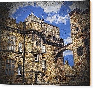 Edinburgh Castle Wood Print by Judi Saunders