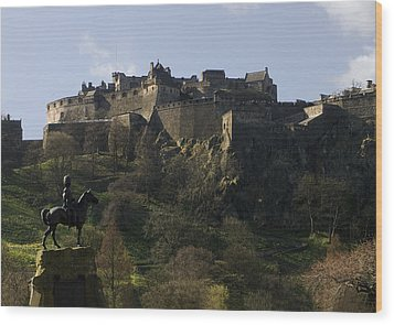 Edinburgh Castle Wood Print by Mike Lester
