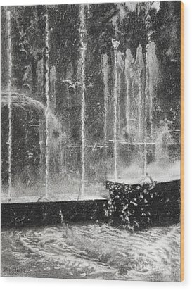 Effervescence Fountain In Milano Italy Wood Print by Kelly Borsheim