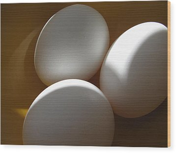 Wood Print featuring the photograph Eggs by Lindie Racz