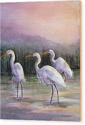 Egrets At Sunset Wood Print by Suzanne Krueger