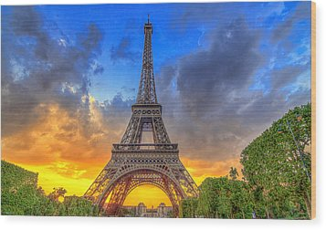 Eiffel Tower Sunset Wood Print