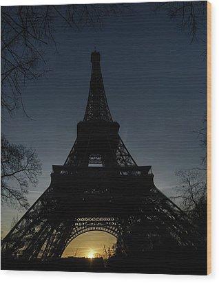 Eiffeltower At Sundown Wood Print by Erik Tanghe