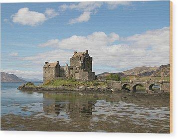 Eilean Donan Castle - Scotland Wood Print