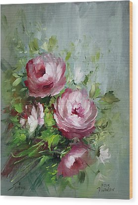 Elegant Roses Wood Print by David Jansen