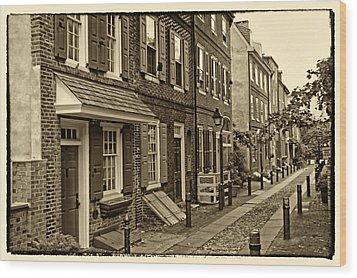 Elfreths Alley Wood Print by Jack Paolini