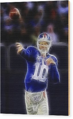 Eli Manning Wood Print by Paul Ward