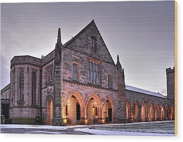 Elphinstone Hall - University Of Aberdeen Wood Print