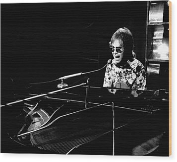 Elton John 1970 #4 Wood Print by Chris Walter