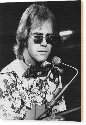 Elton John 1970 #1 Wood Print by Chris Walter