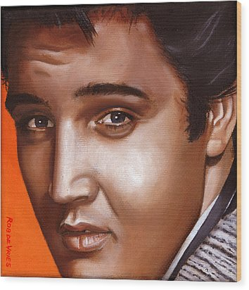 Elvis 24 1957 Wood Print by Rob De Vries