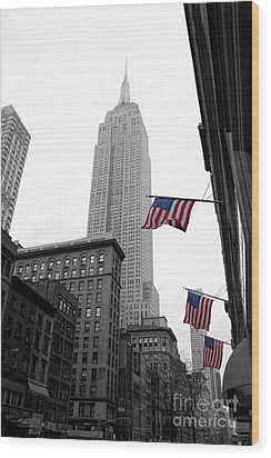 Empire State Building In The Mist Wood Print by John Farnan