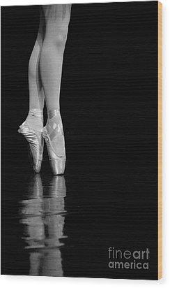 En Pointe Wood Print by Jeannie Burleson