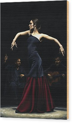 Encantado Por Flamenco Wood Print by Richard Young