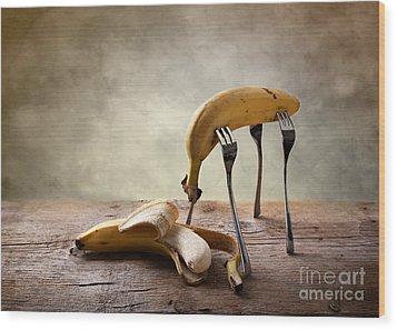 Encounter Wood Print by Nailia Schwarz