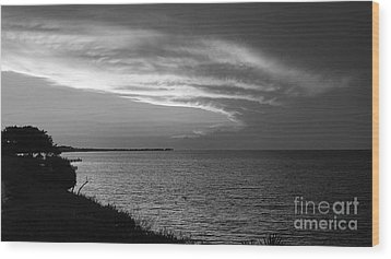 Ending The Day On Mobile Bay Wood Print
