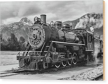 Engine 73 Wood Print by Dawn Currie