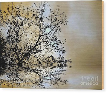 Wood Print featuring the photograph Entangled by Elfriede Fulda