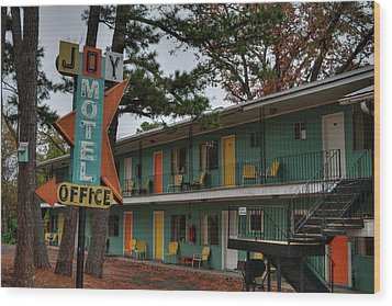 Wood Print featuring the photograph Eureka Springs - Joy Motel 001 by Lance Vaughn