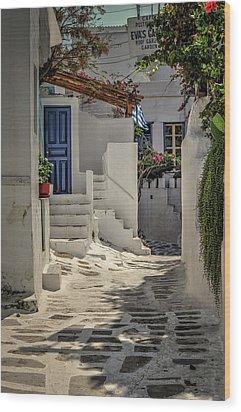 Wood Print featuring the photograph Eva's Garden Cafe Mykonos by Tom Prendergast