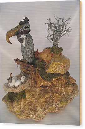 Even Vultures Can Love Wood Print by Judy Byington