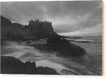 Wood Print featuring the photograph Evening At Dunluce by Roy  McPeak