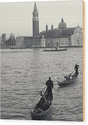 Wood Print featuring the photograph Evening Gondoliers, Venice, Italy by Richard Goodrich