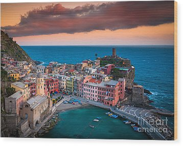 Evening Rolls Into Vernazza Wood Print by Inge Johnsson