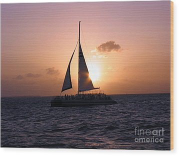 Evening Sail Wood Print