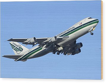 Evergreen International Boeing 747-212b N482ev Phoenix Sky Harbor Arizona December 23 2011 Wood Print by Brian Lockett