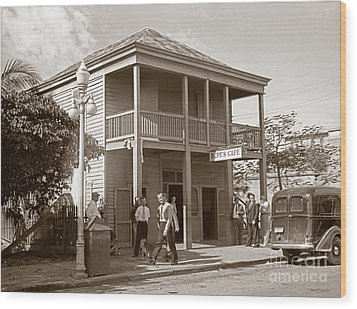 Everyone Says Hi - From Pepes Cafe Key West Florida Wood Print by John Stephens
