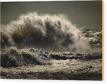Explosion In The Ocean Wood Print by Bill Swartwout