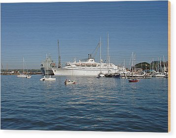Falmouth Harbour Wood Print by Rod Johnson
