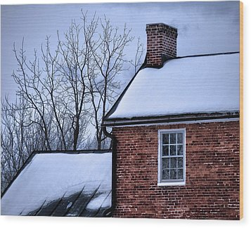 Wood Print featuring the photograph Farmhouse Window by Robert Geary