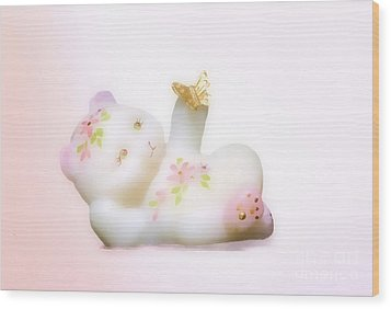 Wood Print featuring the photograph Fenton Art Glass Bear by Linda Phelps