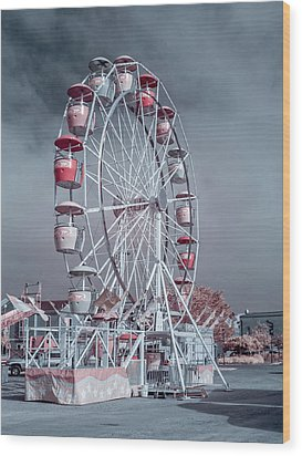 Ferris Wheel In Morning Wood Print by Greg Nyquist