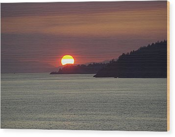 Ferry Sunset Wood Print