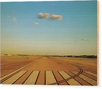 Final Approach Wood Print by Iconic Images Art Gallery David Pucciarelli