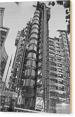 Finance The Lloyds Building In The City Wood Print by Chris Smith