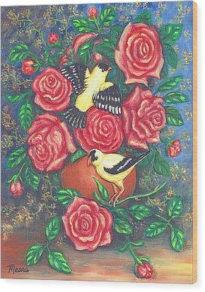Finch Fancy Wood Print by Linda Mears