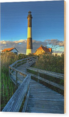 Fire Island Lighthouse Before Sunset Wood Print by Jim Dohms